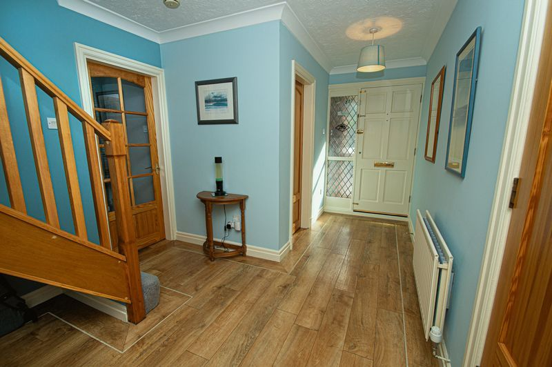 5 bed house for sale in Purshall Close 6