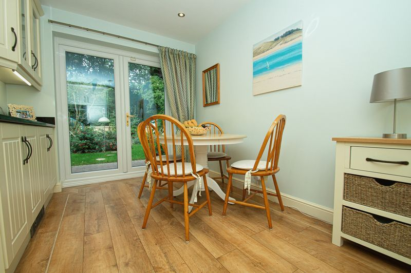 5 bed house for sale in Purshall Close 9