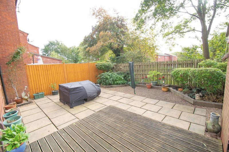 4 bed house for sale in Upper Field Close  - Property Image 14