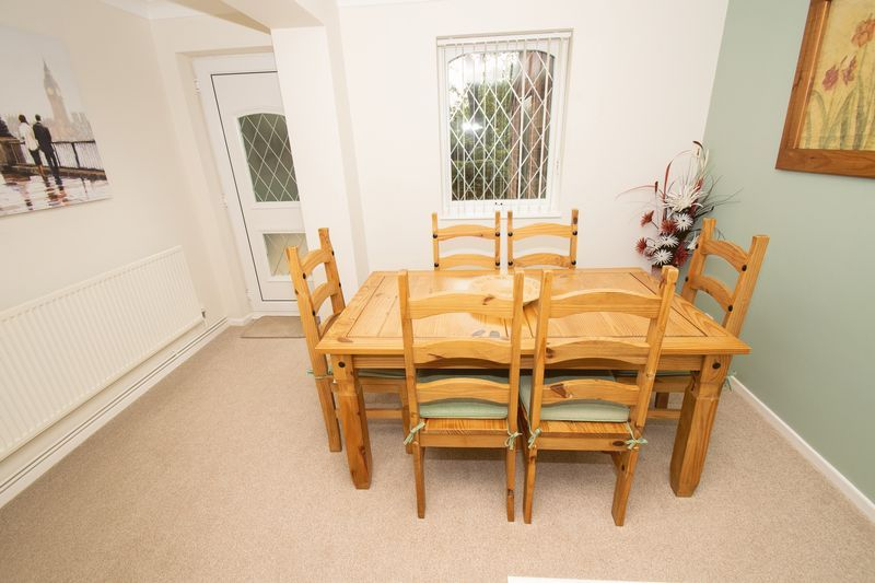 4 bed house for sale in Upper Field Close 4