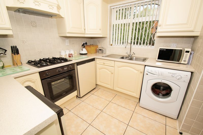 4 bed house for sale in Upper Field Close  - Property Image 5