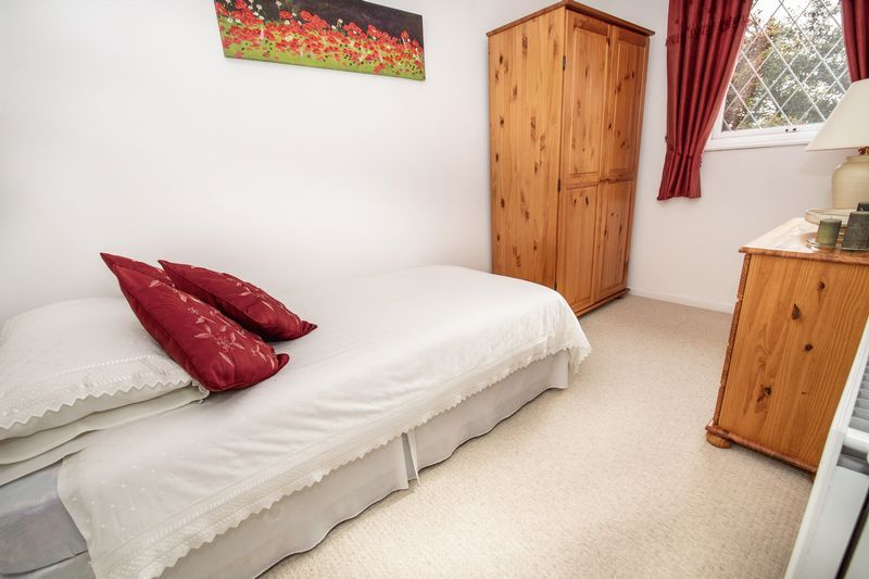 4 bed house for sale in Upper Field Close  - Property Image 7