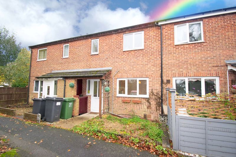 3 bed house for sale in Fordbridge Close 1