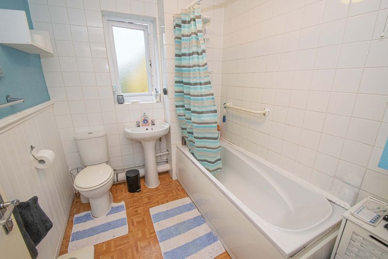 3 bed house for sale in Fordbridge Close 9