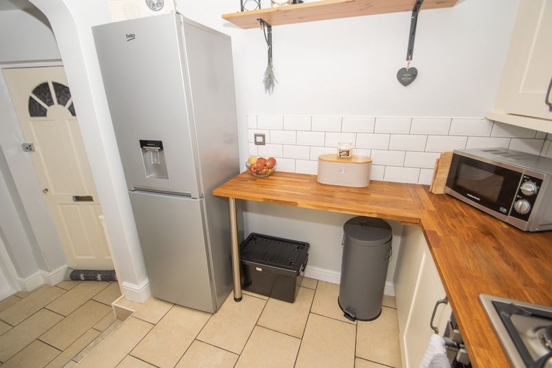 2 bed house for sale in Banners Street 5