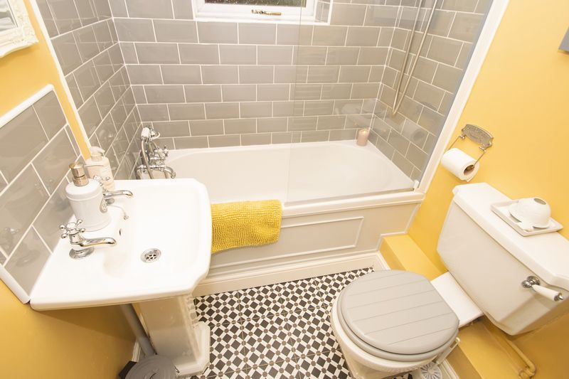 2 bed house for sale in Banners Street 9
