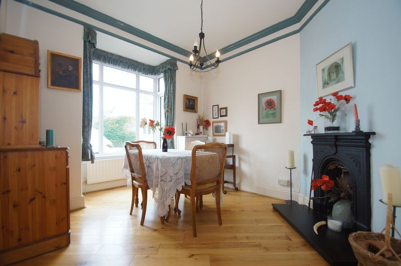 4 bed house for sale in Western Road  - Property Image 2