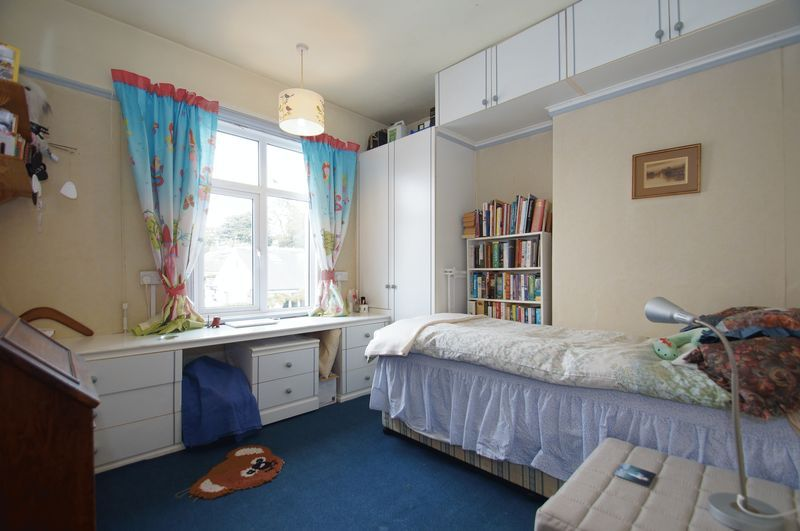 4 bed house for sale in Western Road  - Property Image 10