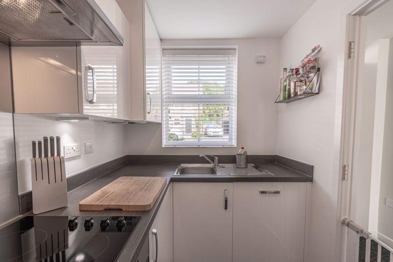 2 bed house for sale in Ivyleaf Close  - Property Image 2