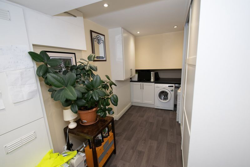 3 bed house for sale in Hambleton Road  - Property Image 6
