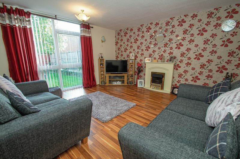 3 bed house for sale in Eathorpe Close  - Property Image 4