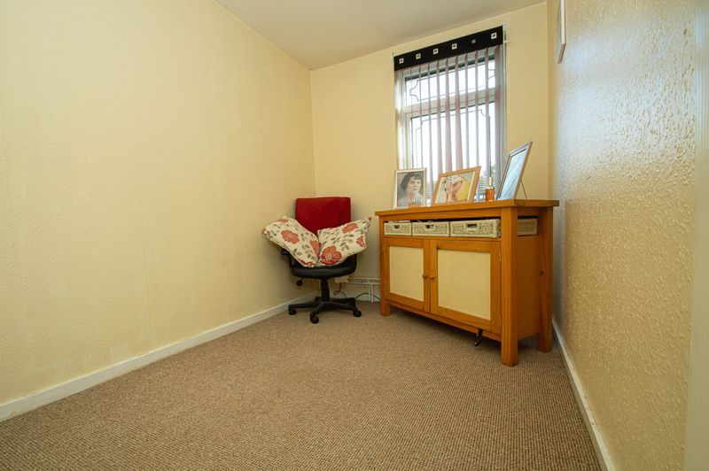3 bed house for sale in Eathorpe Close  - Property Image 10
