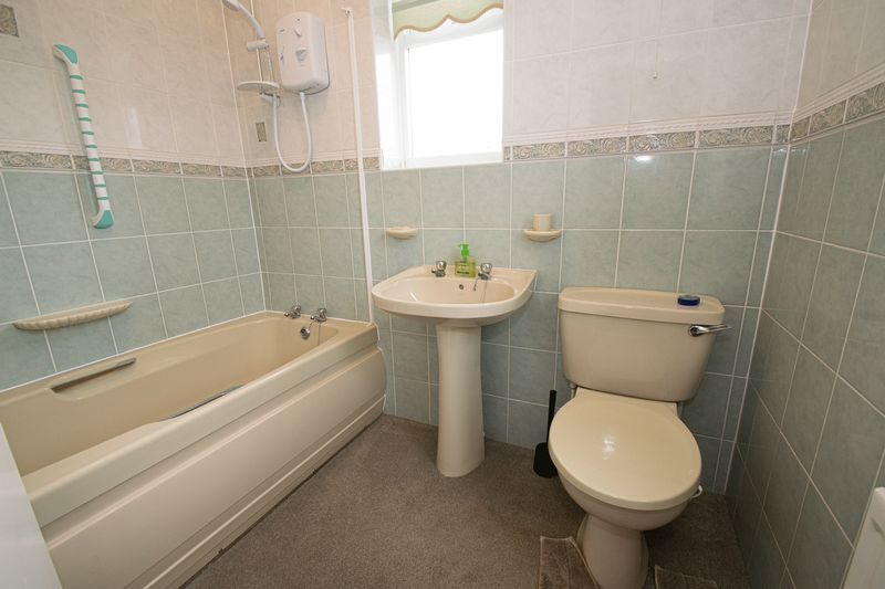 3 bed house for sale in Compton Grove  - Property Image 4