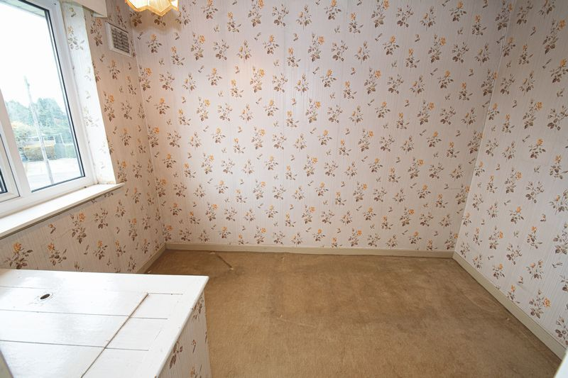 3 bed house for sale in Compton Grove  - Property Image 9