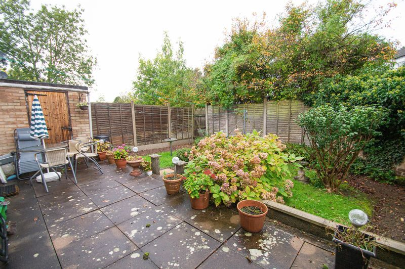 3 bed house for sale in Ladygrove Close 12