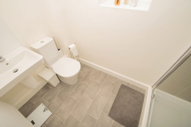 3 bed house for sale in Wedgwood Avenue 10