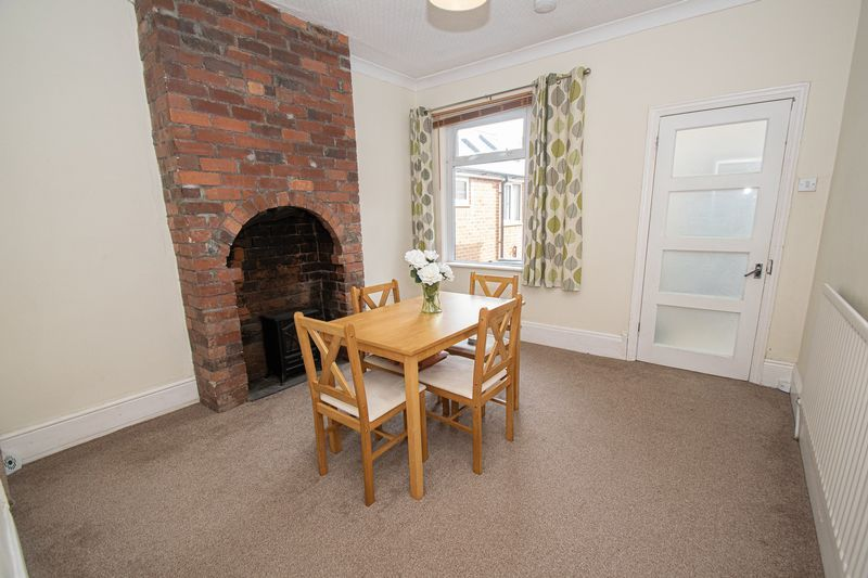 2 bed house for sale in Highfield Road  - Property Image 3