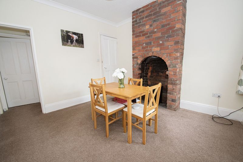 2 bed house for sale in Highfield Road  - Property Image 5