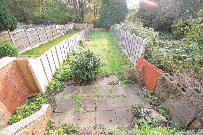 2 bed house for sale in Highfield Road 9