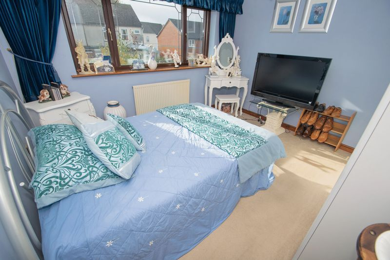 4 bed house for sale in Hill Top Avenue  - Property Image 16