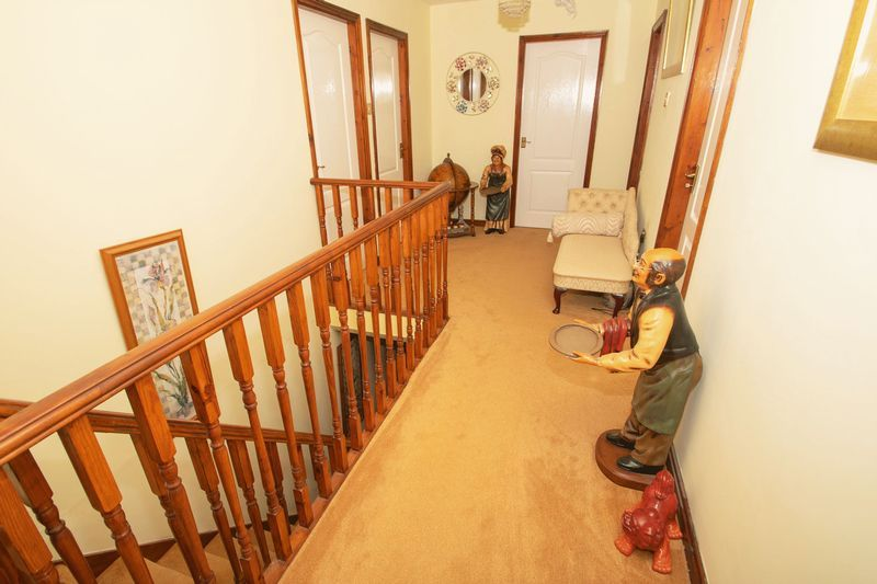 4 bed house for sale in Hill Top Avenue 18
