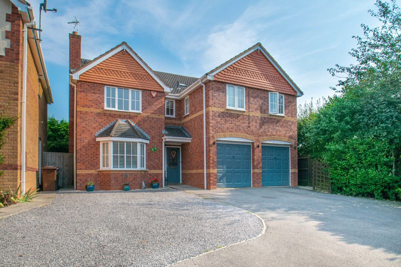 5 bed house for sale in Findon Close 1