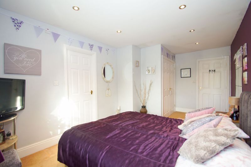 5 bed house for sale in Findon Close 13
