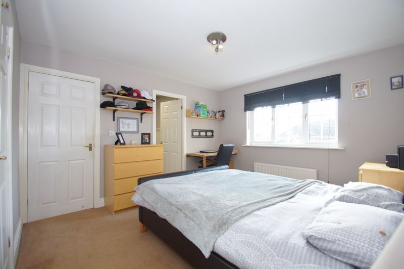 5 bed house for sale in Findon Close 17