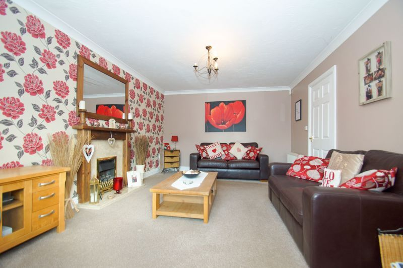 5 bed house for sale in Findon Close  - Property Image 4