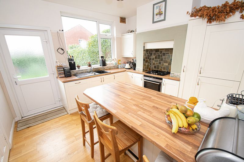 2 bed house for sale in Barnsley Road 2