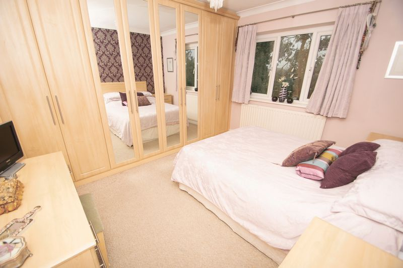 4 bed house for sale in Haden Park Road 6