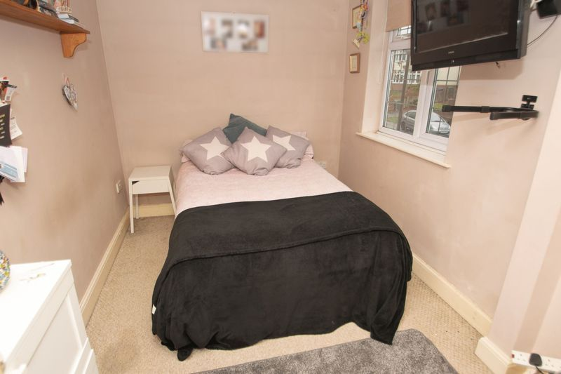 4 bed house for sale in Haden Park Road 9