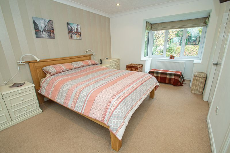 4 bed house for sale in Chesterton Close  - Property Image 13
