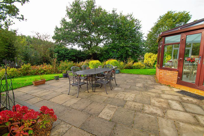 4 bed house for sale in Chesterton Close 19