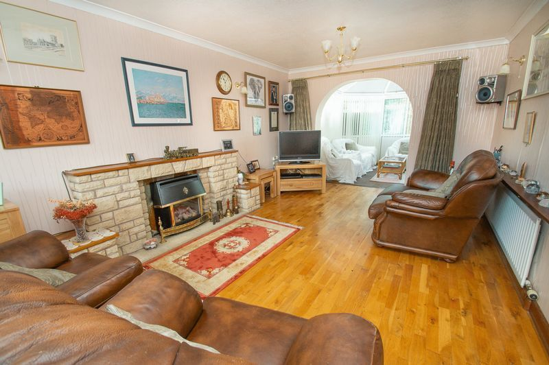 4 bed house for sale in Illshaw Close  - Property Image 2