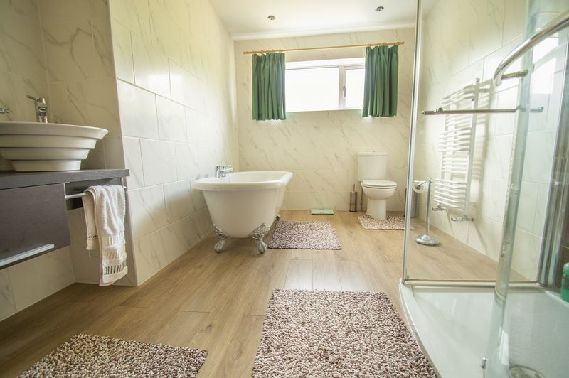 4 bed house for sale in Illshaw Close 11