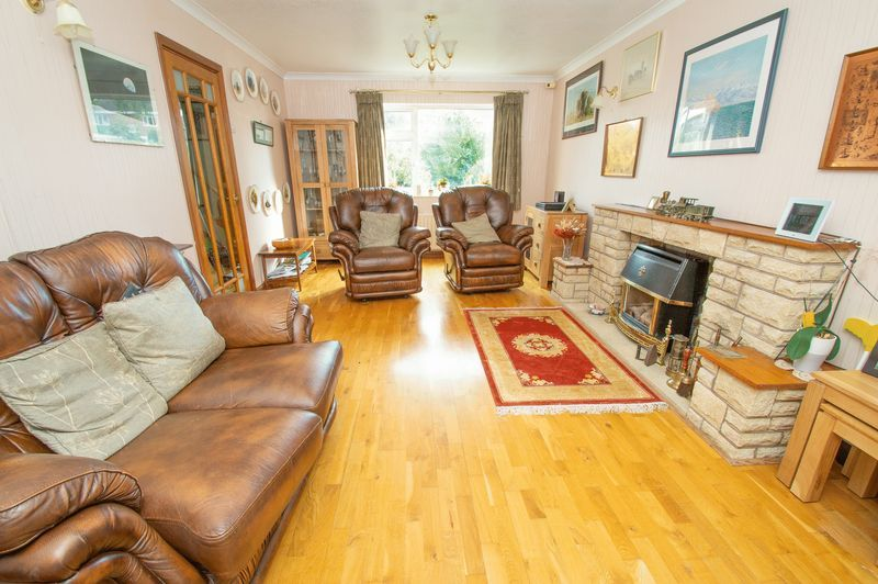 4 bed house for sale in Illshaw Close  - Property Image 3