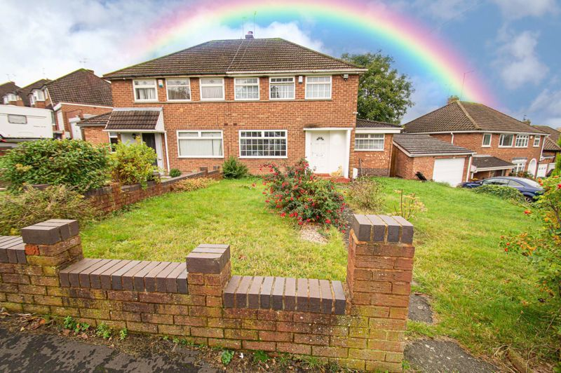 3 bed house for sale in Huntingtree Road - Property Image 1
