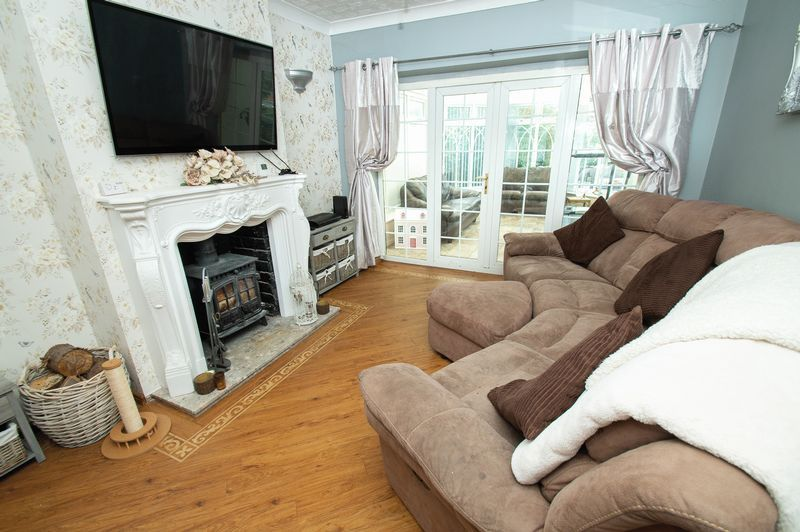 3 bed house for sale in Huntingtree Road  - Property Image 2