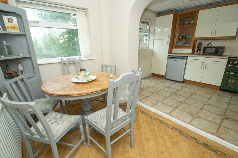 3 bed house for sale in Huntingtree Road 4