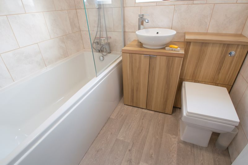 4 bed house for sale in Worcester Street 18