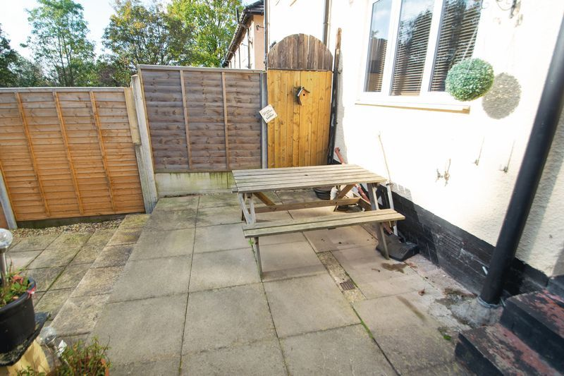 3 bed house for sale in Highfield Crescent 12