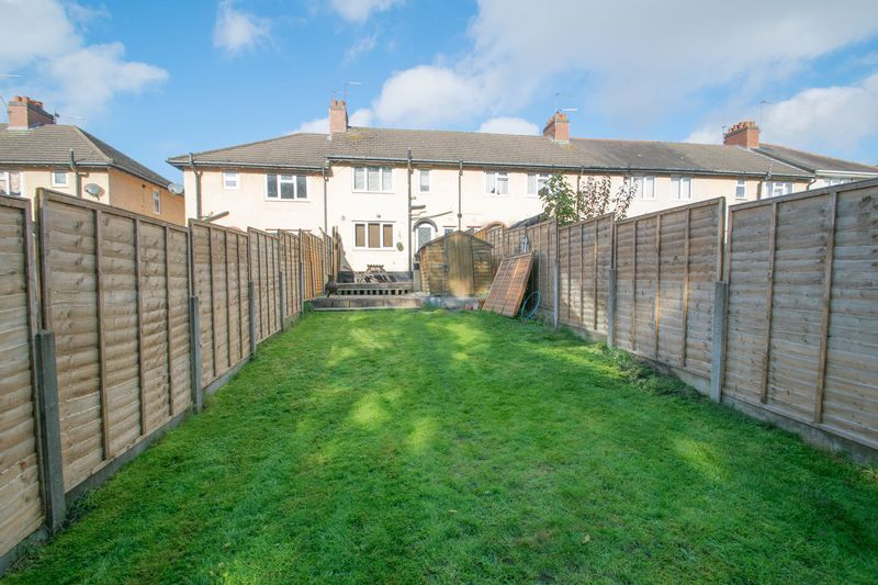 3 bed house for sale in Highfield Crescent 13