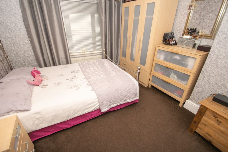 3 bed house for sale in Highfield Crescent 6