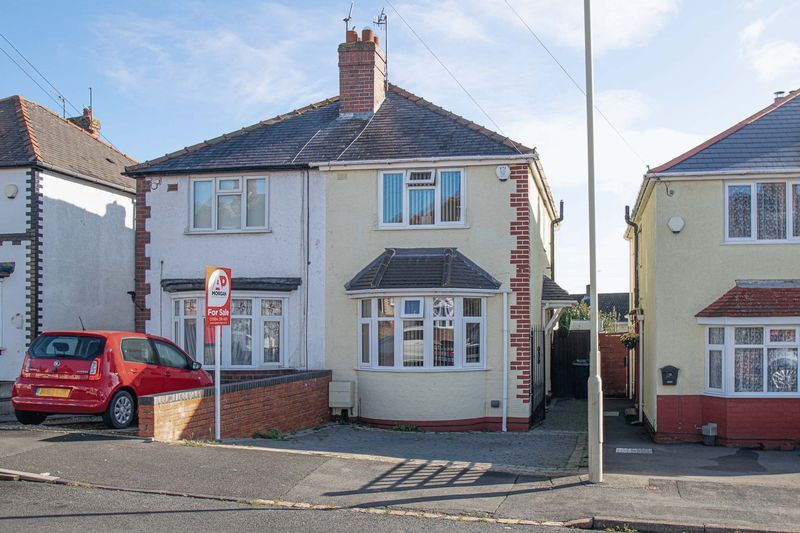 2 bed house for sale in Crabourne Road 1