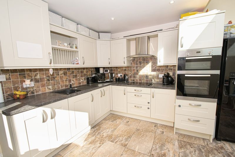 2 bed house for sale in Crabourne Road 4