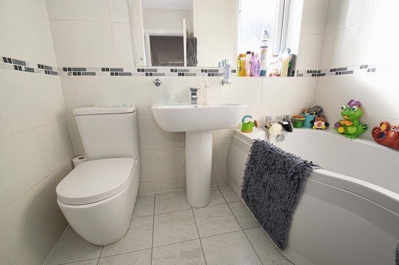 2 bed house for sale in Crabourne Road  - Property Image 8