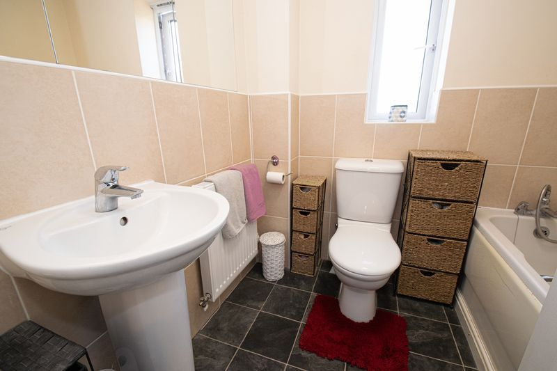 4 bed house for sale in Dixon Close  - Property Image 14