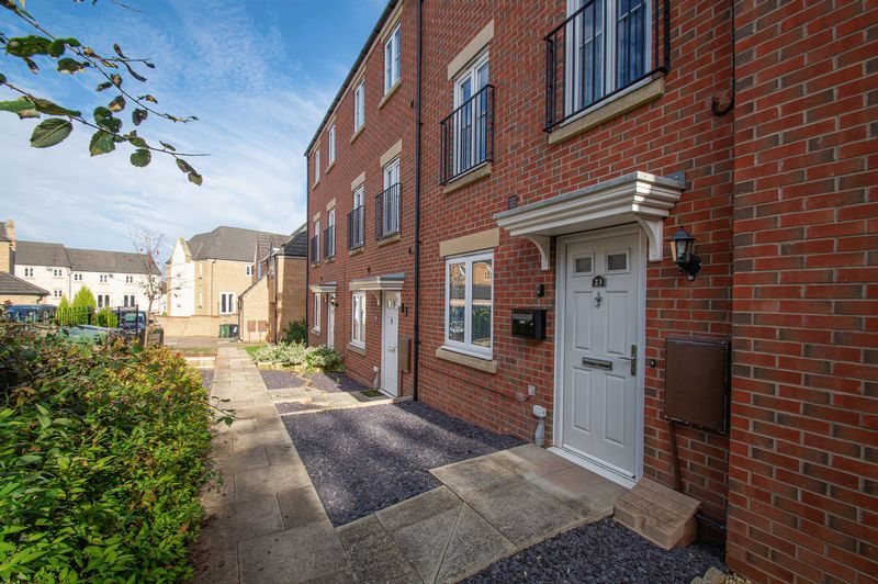 4 bed house for sale in Dixon Close  - Property Image 15