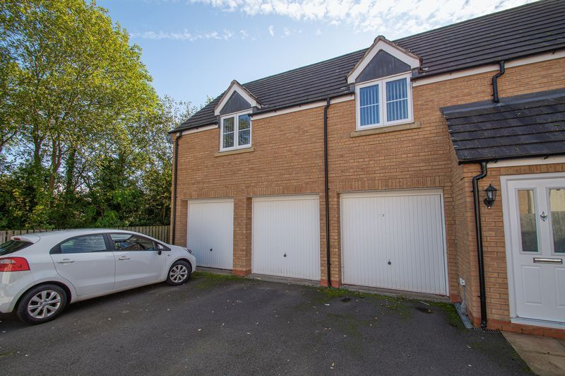 4 bed house for sale in Dixon Close  - Property Image 3